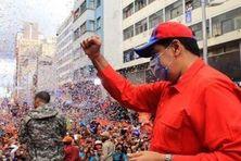 Le président du Venezuela fête la victoire de son parti aux élections législatives.