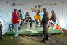 Les bénévoles actifs de Yellow Waves ont joué les dernières notes de musique de leur répertoire.