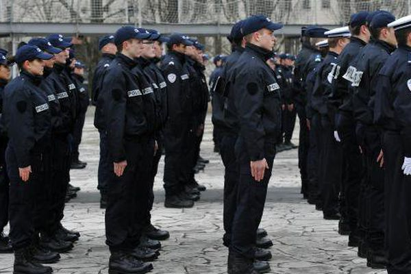 Ecole Police