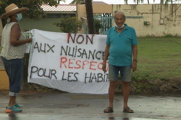 Manifestation contre un projet hôtelier au Carbet