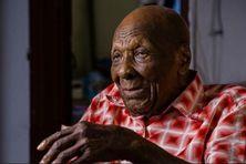 Jules Théobald doyen de la Martinique fête ses 112 ans.