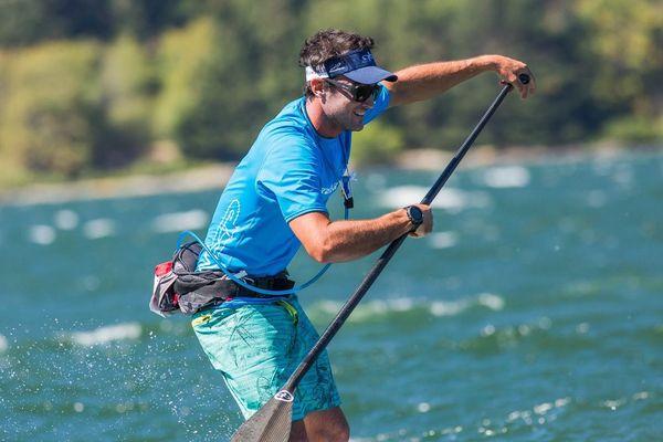 Titouan Puyo en down wind sur la Hood River, prend la 4e place