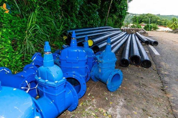 Pièces de raccordement et tuyaux / eau