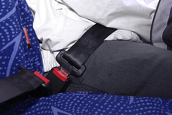 Port de la ceinture de sécurité