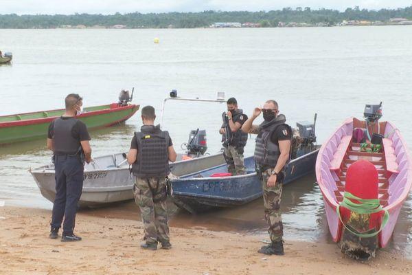 Les gendarmes en opération de contrôle à Saint-Laurent