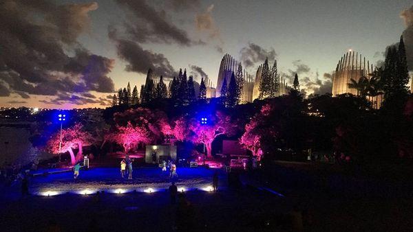 Centre Tjibaou de nuit, espace Kâmi Yo