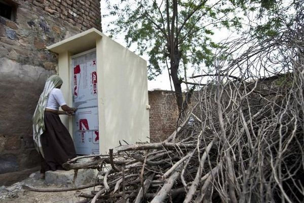 Inde : des toilettes installées dans un village où les femmes déféquaient au péril de leur vie