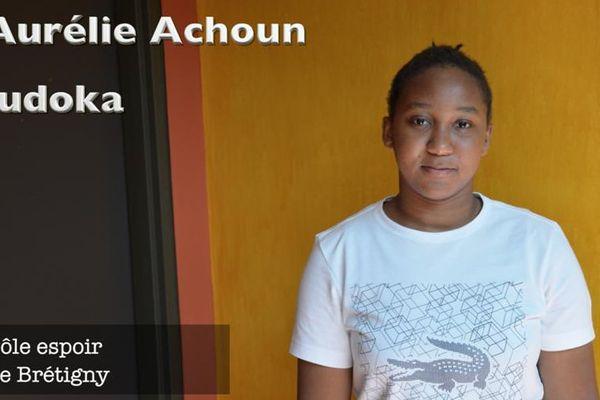 Aurélie Achoun, jeune performeuse guyanaise