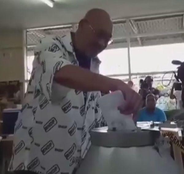 Vote du président du Suriname