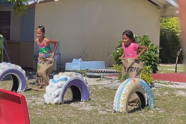 activités traditionnelles / Sac coprah / Takapoto