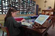 À Saint-Pierre, depuis plusieurs mois, Marie Langenbach a installé son atelier dans le presbytère.