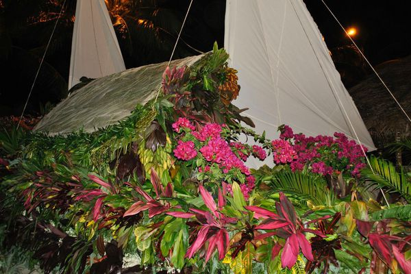 Les chars fleuris du Heiva i Bora Bora
