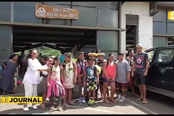Saga : Les participants marquisiens à l'embarquement
