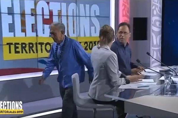 Oscar Temaru quitte le débat