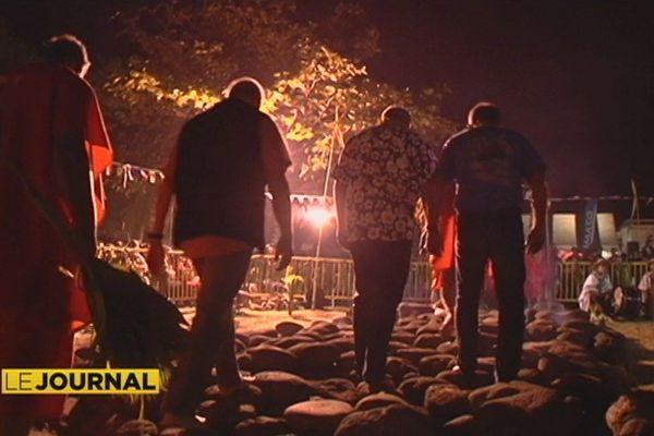 Marche sur le feu : beaucoup de monde à Paea pour la cérémonie traditionnelle