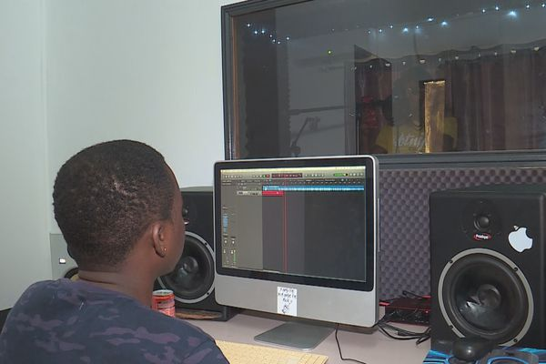 L'association Authentic Youth Lari inaugure son studio d'enregistrement : c'est reparti pour les jeunes talents