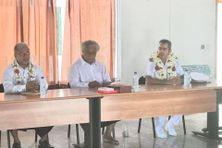 De gauche à droite : Tiafoi Petelo Vaitanaki, le roi Tuiagaifo, le préfet Hervé Jonathan