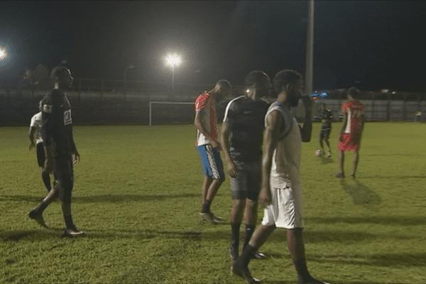 Joueurs de football entraînement