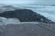 L'érosion gagne du terrain sur l'isthme de Miquelon-Langlade