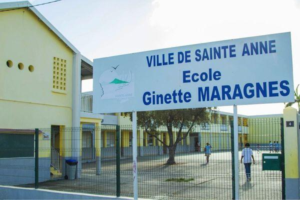 """Ecole """"Ginette Maragnès"""" à Sainte-Anne"""