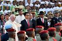 Une foule de fidèles accueille le pape François à Madagascar