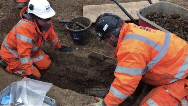 Découverte de la sépulture de Matthew Flinders, site de fouilles de LOndres