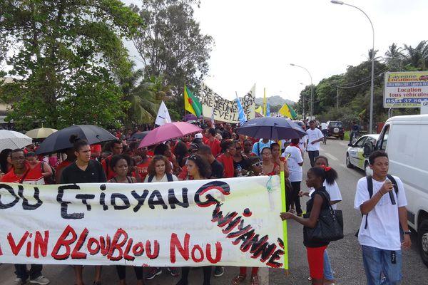 Défilé des grévistes dans Cayenne 15 octobre