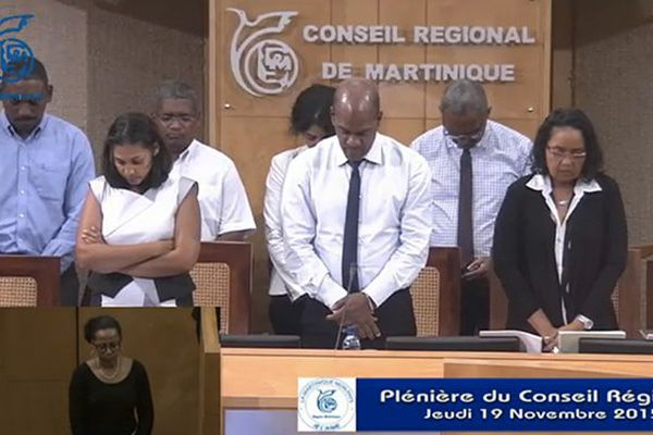 région Plénière minute de silence