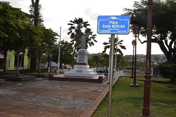 Monument aux morts Lamentin