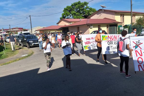 Covid-19 : 3e marche contre l'obligation vaccinale à Cayenne