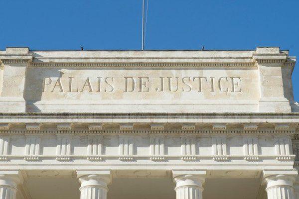 palais justice saintes