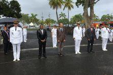 Les personnalités représentant les institutions de l'Etat, l'Armée et les collectivités locales à Fort-de-France (14 juillet 2020).