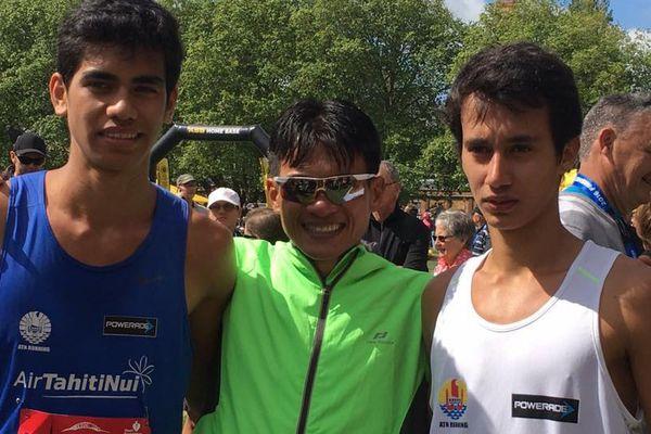 Brian et Teva, sur le podium du Auckland Marathon 2016