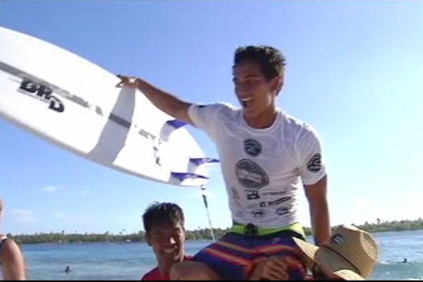 Mihimana Braye, l'espoir du surf polynésien