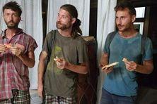 Les trois randonneurs, retrouvés sains et saufs, après 3 jours d'errements dans la montagne de Hiva Oa (Marquises).