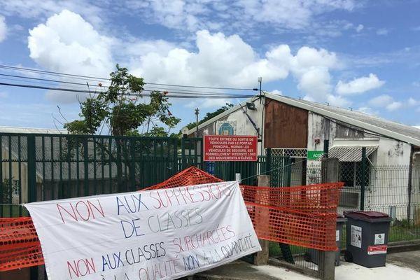 Grève au collège Asxselin de Beauville à Ducos demain mardi 11 jjin 2019