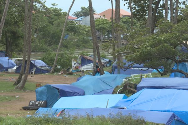 Démantèlement du camp de migrants de la Point Buzaré à Cayenne