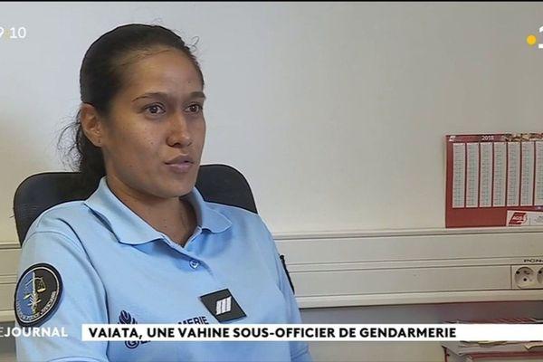 Portrait de Vaiata, jeune vahine gendarme