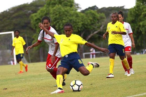 Match de foot féminin Papoues-Cagoues, 21 novembre 2018, Koné