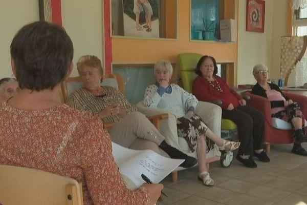 Semaine bleue : un atelier pour donner la parole aux résidents de la maison Églantine