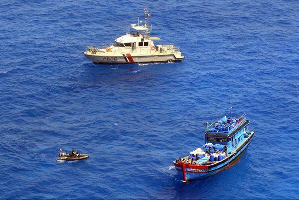 la vedette côtière de surveillance maritime Dumbéa de la Gendarmerie