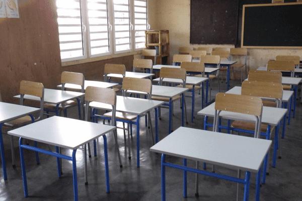 Tables et chaises arrivées à Mayotte
