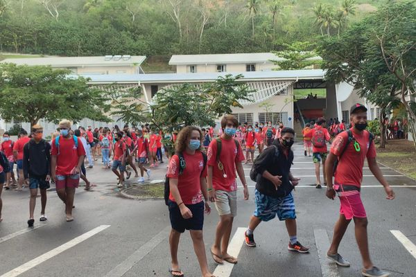 Rentrée scolaire lycée Bora Bora