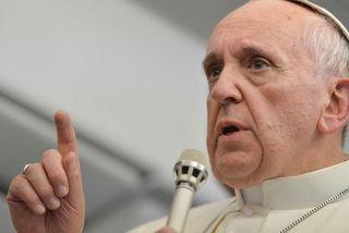 Le pape François condamne les abus sexuels_