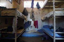 Photo d'une cellule de la prison Camp-Est de Nouméa en Nouvelle-Calédonie