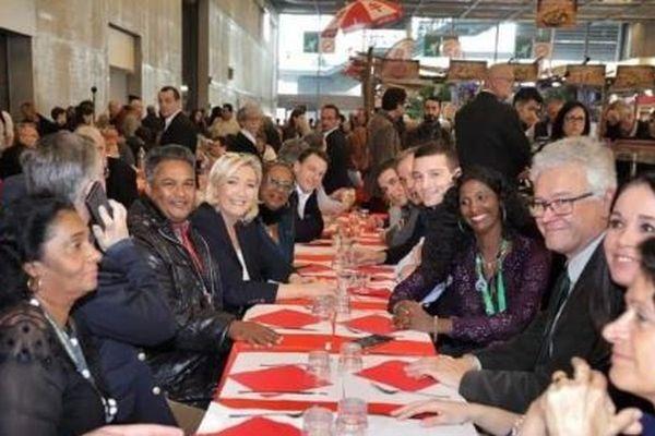 Maxette Grisoni-Pirbakas et les membres de la liste du Rassemblement National