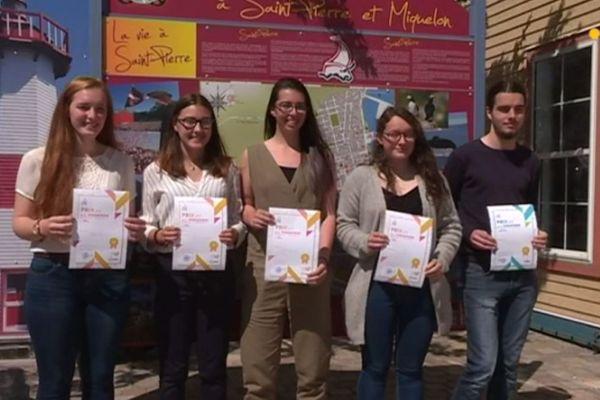 5 jeunes distingués par la ville de Saint-Pierre