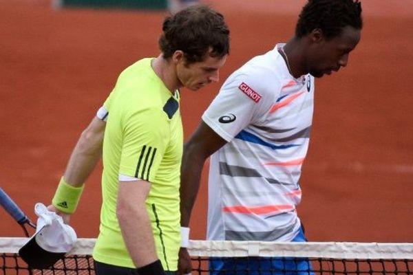 Andy Murray et Gaël Monfils à la fin de leur match à Rolland Garros en juin 2014