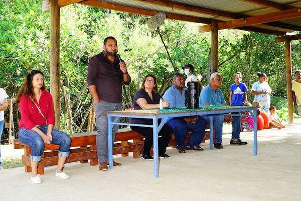 Province Sud : les élus à la rencontre des familles de squats