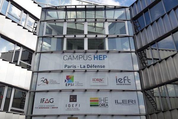 La façade du campus d'HEP Paris-La Défense, abritant notamment l'ILERI